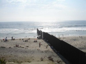BorderbeachtWall